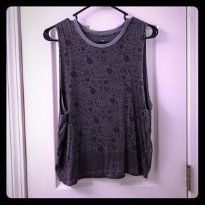 American Eagle Gray Floral Soft & Sexy Tank